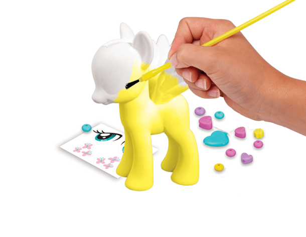 bellesnowglobe__0015_9740nf_my_little_pony_paint_style_callout_02