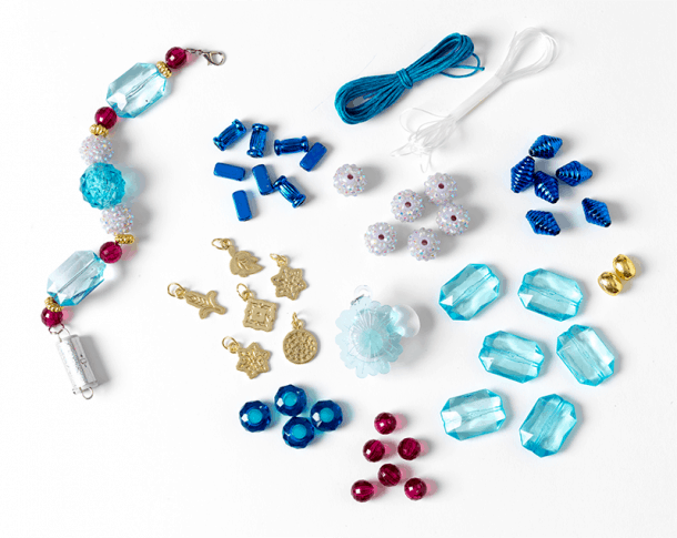 _0001_5.-10799_01_FROZEN_LIGHTUP_JEWELLERY_CONTENTS